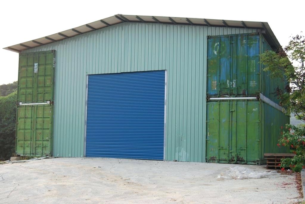 project-shipping-container-garage.jpg